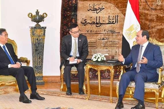 الرئيس يصل الإمارات في زيارة رسمية لمدة يومين