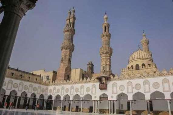 اليوم,,  أول صلاة جمعة من السيدة نفيسة منذ إغلاق المساجد