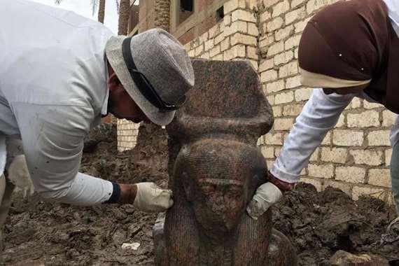 بالصور.. الآثار تكتشف تمثالًا نادرًا للملك رمسيس