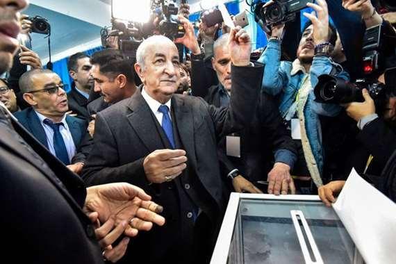 """""""ماكرون"""" يمتنع عن تهنئة رئيس الجزائر الجديد لهذا السبب"""