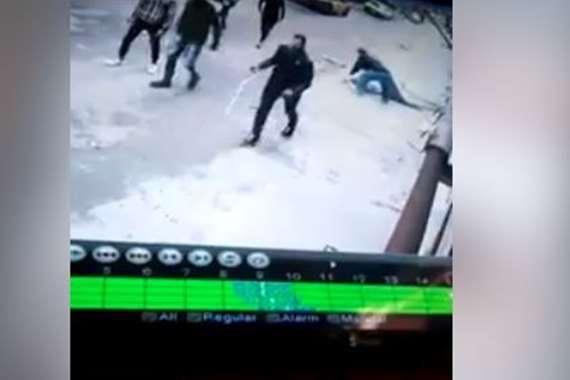 بلطجية يلقون بشخص من البلكونة بالإسكندرية