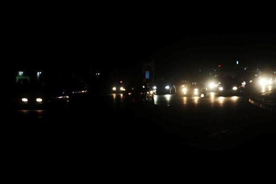 اليمن.. انقطاع تام للتيار الكهربائي في عدن بسبب خلل فني