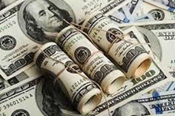 الدولار يعاود استقراره .. ويسجل هذا الرقم