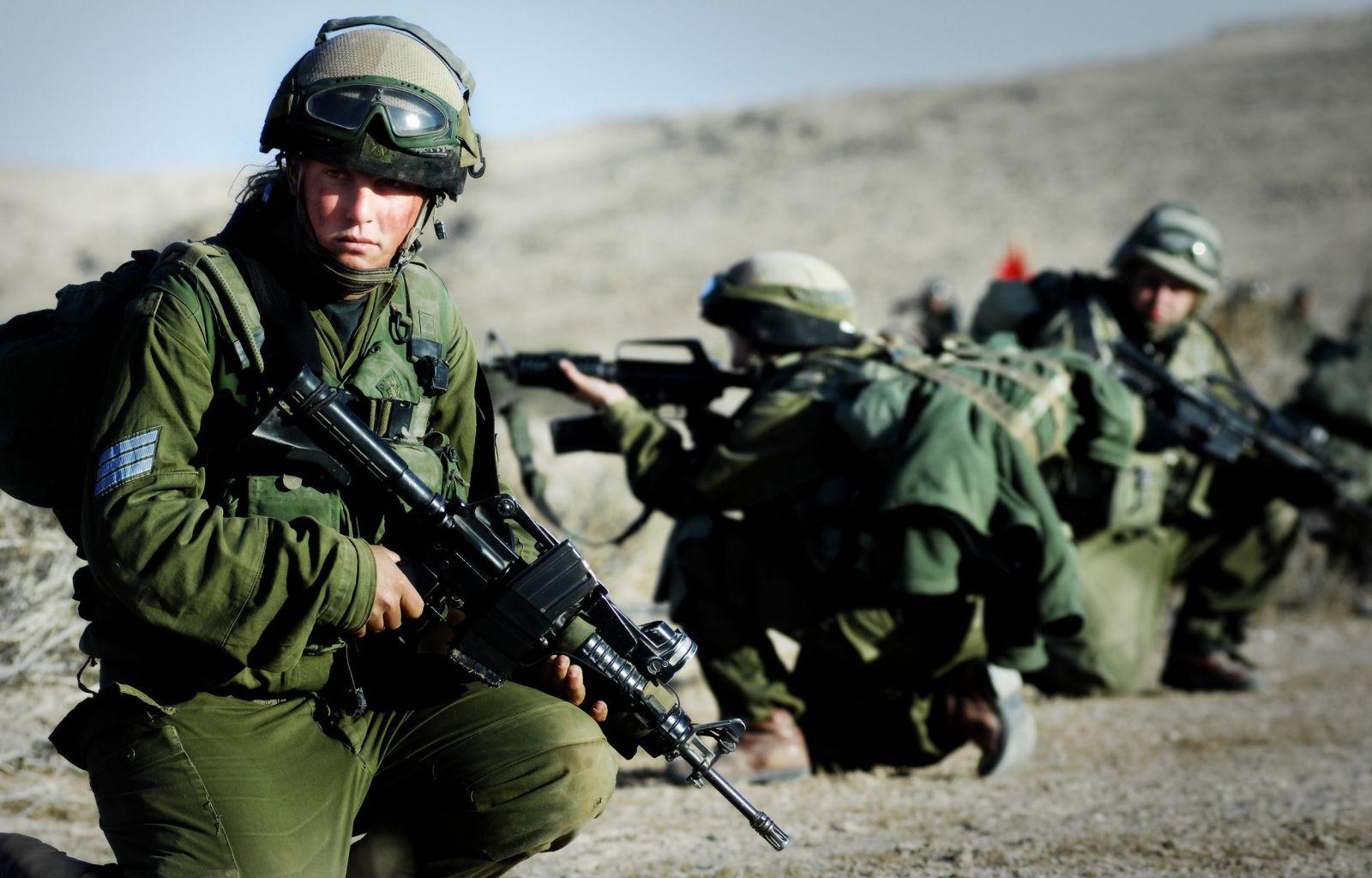 اعتقال فلسطينيين تجاوزا السياج الأمني بين غزة وإسرائيل