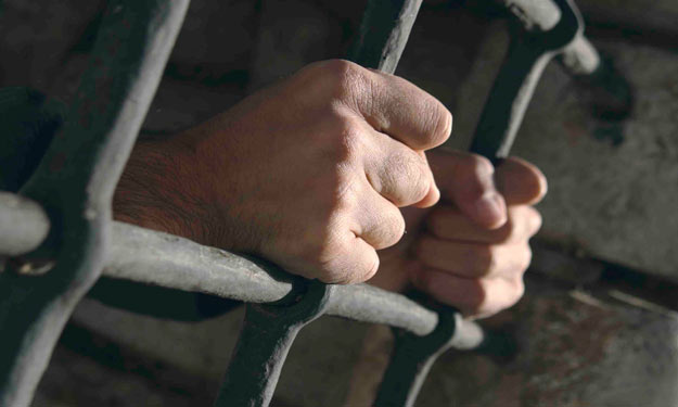 حبس شقيقتان يمارسان الجنس مع سورى بالهرم