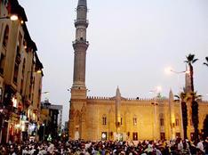 """استنفار أمنى بمحيط مسجد """"الحسين"""""""