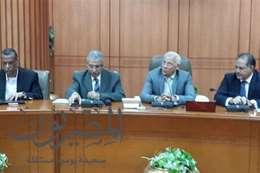 رئيس هيئة التعمير خلال إجتماع سابق ببورسعيد