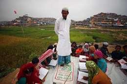 اطفال الروهينجا يحفظون القرآن الكريم