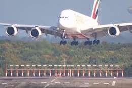 انزلاق طائرة اماراتية