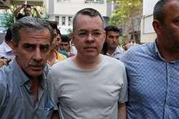 الإفراج عن القس الأمريكي المحتجز في تركيا يبدأ اليوم