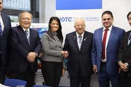 وزيرة السياحة ورئيس مجلس إدارة  اتحاد شركات السياحة اليابانية