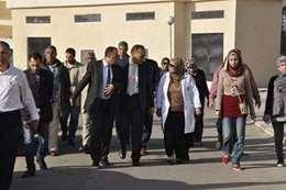 الدكتور ممدوح غراب أثناء جولته بالمستشفى الجامعى