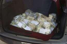 سرقة 6 ملايين دولار