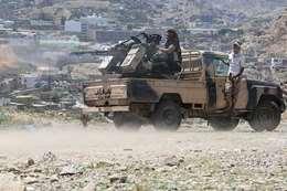 الجيش اليمني يعلن مقتل 25 حوثيًا وأسر 8 آخرين