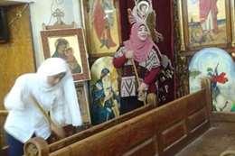 مسلمات ينظفن كنيسة بالمولد النبوي