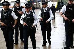 معارض سعودي تحت حراسة الشرطة البريطانية