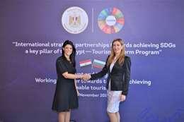 وزيرة السياحة البلغارية ووزيرة السياحة المصرية