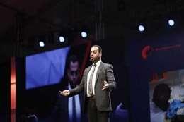 الدكتور عمر صقر