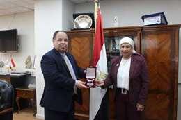 وزيرالمالية  و الدكتورة سامية حسين