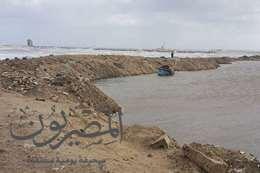 البحر المتوسط يتخطى حاجز كورنيش بورسعيد