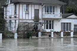 الفيضانات فى شوارع فرنسا
