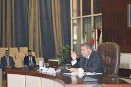 وزير قطاع الاعمال خلال الاجتماع