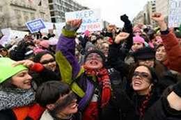 آلاف النساء يتظاهرن ضد ترامب.. لهذا السبب