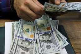 الدولار يواصل تراجعه