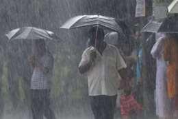 عواصف فى الهند وسريلانكا