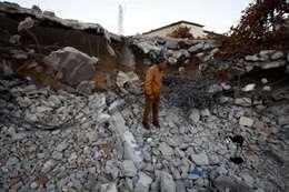 أثار هدم منزل العائلة الفلسطينية