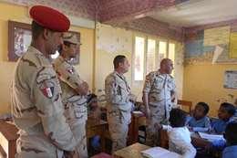 جولة تفقدية لقادة الدفاع الشعبي والعسكري لمدارس أسوان