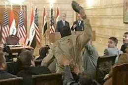 إلقاء الحذاء على «بوش»