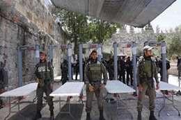 """إسرائيل تمنع المسيحيين من الوصل لـ""""بيت لحم"""""""