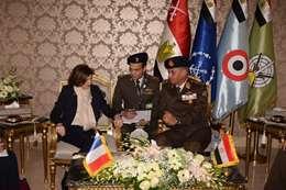 وزير الدفاع يلتقي نظرائه من فرنسا واليونان وقبرص