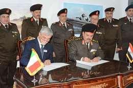 """توقيع اتفاقيات عسكرية خلال معرض """"إيديكس 2018"""""""