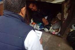 «ينام في صندوق».. التضامن تنقذ شابًا بلا مأوى بالتحرير