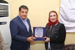 جامعة عين شمس تكرم مؤسسة صناع الخير