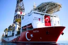سفينة  تركية تنقب عن الغاز في البحر المتوسط
