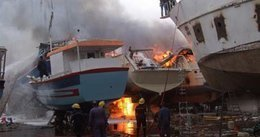 استقرار حالة الصيادين المصابين فى حريق مركب ميناء الأتكة