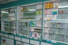 ضبط  1600 دواء منتهى الصلاحية بصيدلية غير مرخصة