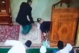 لحظة وفاة إمام مسجد أثناء خطبة الجمعة