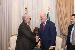 السفير الأسباني خلال زيارته للوفد
