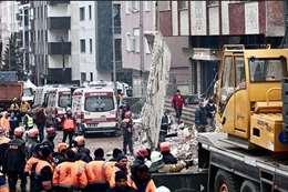 ارتفاع ضحايا انهيار مبنى في إسطنبول