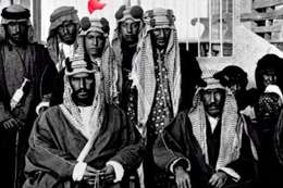صورة نادرة للملك عبد العزيز ومؤسس الكويت قبل 110 سنة