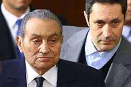 الرئيس الأسبق محمد حسني مبارك و نجله علاء مبارك