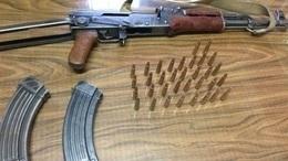 القبض على موظف بحوزته سلاح آلي ببولاق الدكرور