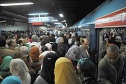 زيادة تذكرة المترو يفجر غضب المصريين