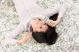 المال والسعادة - أرشيفية