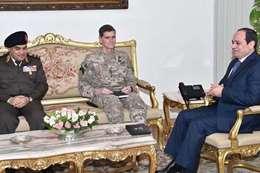 قائد القيادة المركزية الأمريكية مع الرئيس السيسي