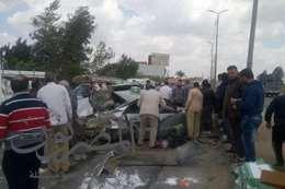 اصابة 3 في تصادم سيارة ملاكي مع نصف نقل بطريق طنطا- المحلة